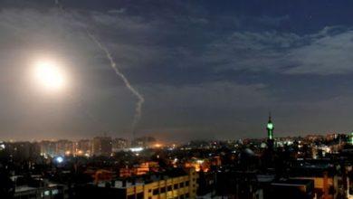 صورة الطيران الإسرائيلي يستهدف قوات نظام الأسد والميلـ.ـيشيات الإيرانية قرب مدينة حمص