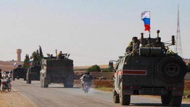 """صورة بعد عرقلة الدورية الأولى على طريق """"M4"""" جنوب إدلب.. روسيا تمنح تركيا فرصة لترتيب الوضع وإعادة تسيير الدوريات"""