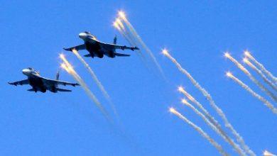 صورة معركة في سماء إدلب.. تركيا تسقط طائرتين حربيتين لنظام الأسد (فيديو)