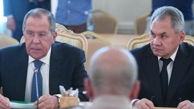 """صورة خلاف بين """"لافروف"""" و""""شويغو"""" بسبب حفتر.. وليبيا قد تكون مسرحاً لمواجهات مباشرة بين أنقرة وموسكو"""