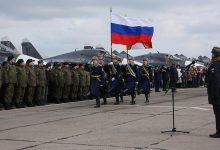 "Photo of في احتفال خاص.. روسيا تزود نظام الأسد بطائرات ""ميغ"".. وموالون للنظام يدعون ""بوتين"" لإنقاذهم من الجوع"
