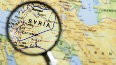 صورة مسؤول تركي يتحدث عن إجماع دولي حول الحل السياسي في سوريا.. وإيران تواصل تسليم مقراتها لروسيا