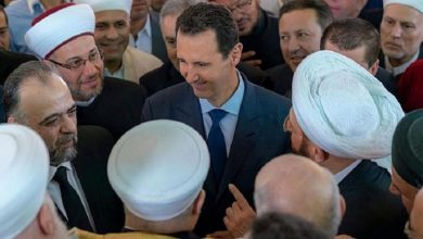 """صورة """"لو خضت البحر فينا لخضناه معك"""".. رسالة من مشايخ النظام إلى """"بشار الأسد"""" (فيديو)"""