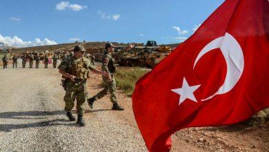 """صورة منظومات دفاع جوي تركية تدخل إدلب.. والجيش التركي يجتمع بوفد من أهالي """"جبل الزاوية"""".. هذا ما وعدهم به"""