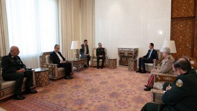 """صورة الأسد يجتمع مع رئيس الأركان الإيراني والأخير يوجه رسالة إلى """"أردوغان"""" من دمشق..!"""