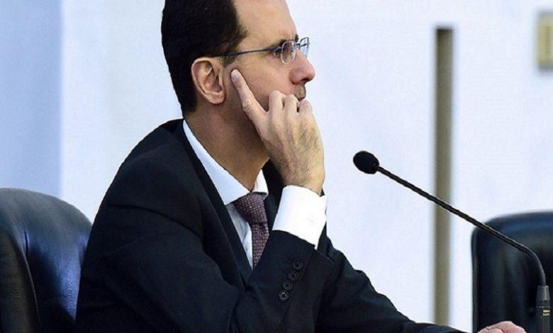 بشار الأسد بدأ يتلمس رأسه