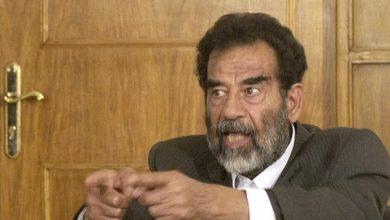 """صورة أثارت جدلاً.. صورة لـ """"صدام حسين"""" في الدقائق الأخيرة من حياته.. هل الصورة حقيقية؟"""