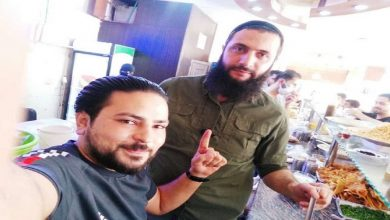 """Photo of """"الجولاني"""" يتجول في شوارع إدلب ثالث أيام العيد.. هكذا علق السوريون على ظهوره (فيديو)..!"""