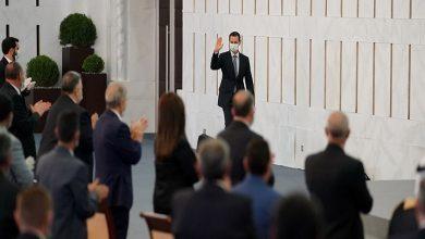 صورة هكذا برر بشار الأسد الوعكة الصحية التي تعرض لها داخل البرلمان (فيديو)..!