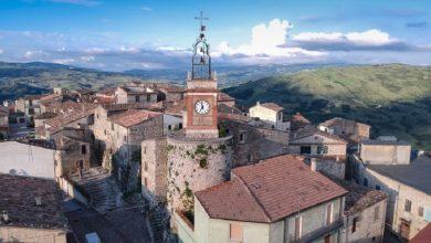 صورة مناظر جميلة وإطلالة فريدة.. قرية إيطالية تعرض منازلها للبيع مقابل يورو واحد فقط (صور)