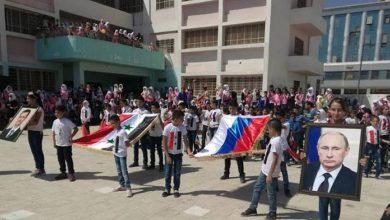 صورة خطة لبقاء طويل الأمد.. جنرال روسي يعترف بنشر الثقافة الروسية بين أطفال سوريا