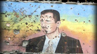 """صورة في عمق حاضنته الشعبية.. ثورة """"افتراضية"""" غير مسبوقة ضد بشار الأسد.. ما هي المطالب والشعارات؟"""