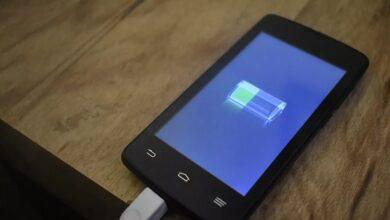 صورة للحفاظ على شحن بطارية هاتفك القديم فترة أطول.. إليك طريقة سهلة وبسيطة!