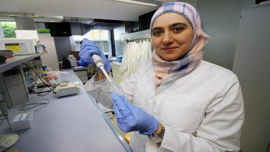 """صورة طبيبة سورية في ألمانيا تنجح بتطوير مادة واعدة لعلاج """"الزهايمر"""" عند كبار السن!"""