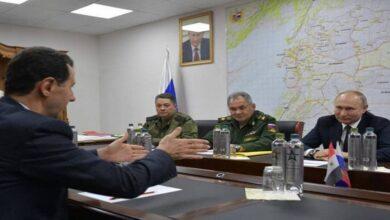 صورة القيادة الروسية تحسم الجدل بشأن تشكيل المجلس العسكري السوري وتشير إلى الحل الوحيد في سوريا
