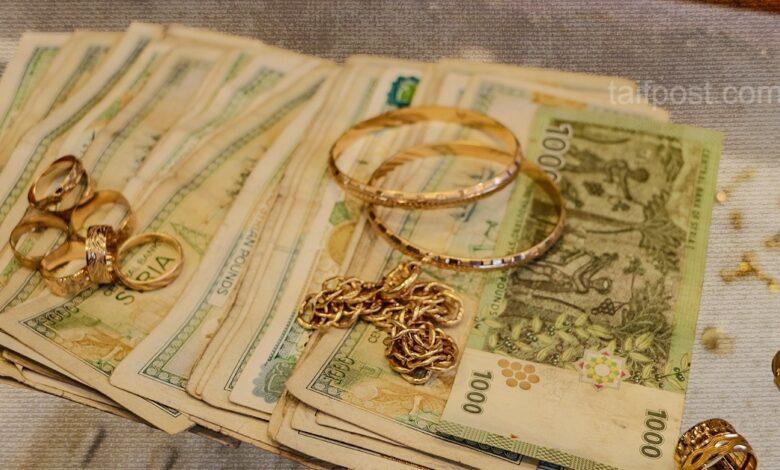 انخفاض قياسي الليرة السورية الدولار