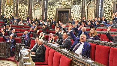 """صورة """"وصف بالأخطر حتى الآن"""".. برلمان النظام يقر قانوناً لشرعنة التغيير الديمغرافي في سوريا"""