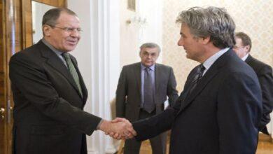 """صورة قيادي معارض يتحدث عن دور """"مناف طلاس"""" المقبل ويؤكد وجود تفاهمات أمريكية روسية جديدة بشأن سوريا"""