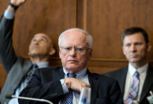صورة جيمس جيفري يتحدث عن مقاربة أمريكية جديدة لإيجاد حل سريع في سوريا