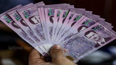 صورة الليرة السورية تسجل أفضل سعر لها مقابل الدولار منذ شهر يناير وانخفاض بأسعار الذهب محلياً