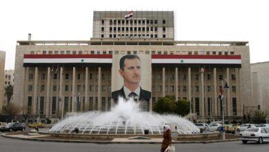 صورة باحث سوري يتحدث عن كواليس إقالة حاكم مصرف سوريا المركزي وعدم تعيين نظام الأسد بديلاً عنه!