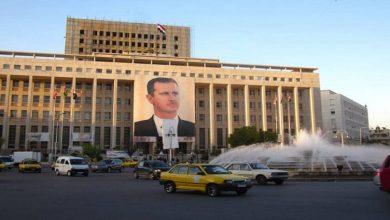 صورة لرفد خزينة بشار الأسد بالدولار.. النظام السوري يصدر قراراً جديداً يخص القادمين إلى سوريا