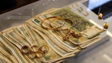 صورة انخفاض في قيمة الليرة السورية مقابل الدولار والعملات الأجنبية وارتفاع قياسي بأسعار الذهب محلياً وعالمياً