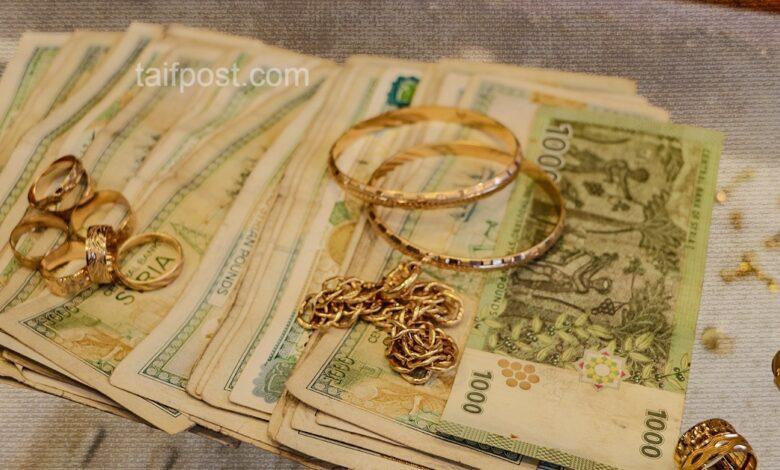 انخفاض ملحوظ تسجله الليرة السورية مقابل الدولار