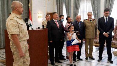"""صورة لقبته بـ""""أبو علي بوتين"""".. الرئيس الروسي يبعث رسالة لطفلة سورية (فيديو)"""
