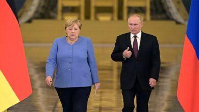 """صورة بعد مباحثات مع """"ميركل"""".. بوتين يدلي بتصريحات هامة بشأن الملف السوري!"""