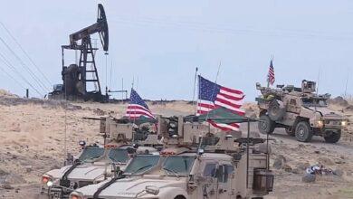صورة روسيا تنتقد أمريكا وتتهمها بسـ.ـرقة النفط السوري.. إدارة بايدن ترد وتدعو لتحرك فوري في سوريا