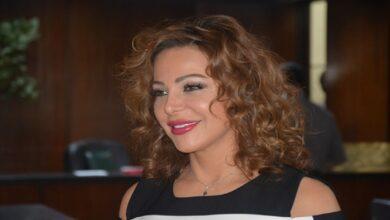 """صورة سوزان نجم الدين تُعلّق على انسحابها من برامج """"المواجهة"""" بسـ.ـبب بشار الأسد وتضحك ساخرة (فيديو)"""