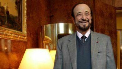 صورة رداً على قرار سجنه.. رفعت الأسد يظهر في تسجيل مصور ويسخر من القضاء الفرنسي (فيديو)