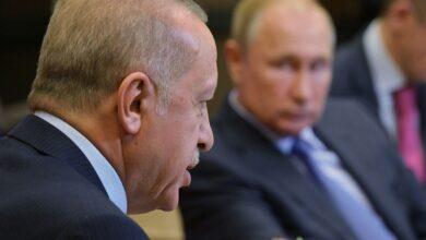 """صورة صحيفة تتحدث عن مقايضة وصفقة محتملة بين روسيا وتركيا في قمة """"سوتشي"""""""