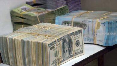 صورة انخفاض في قيمة الليرة السورية مقابل الدولار والعملات الأجنبية وارتفاع ملحوظ بأسعار الذهب محلياً وعالمياً