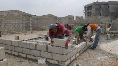 صورة الموظف يحتاج إلى 66 سنة لتأمين تكلفته.. كم تبلغ تكلفة بناء منزل 100 متر مربع في سوريا خلال 2021؟